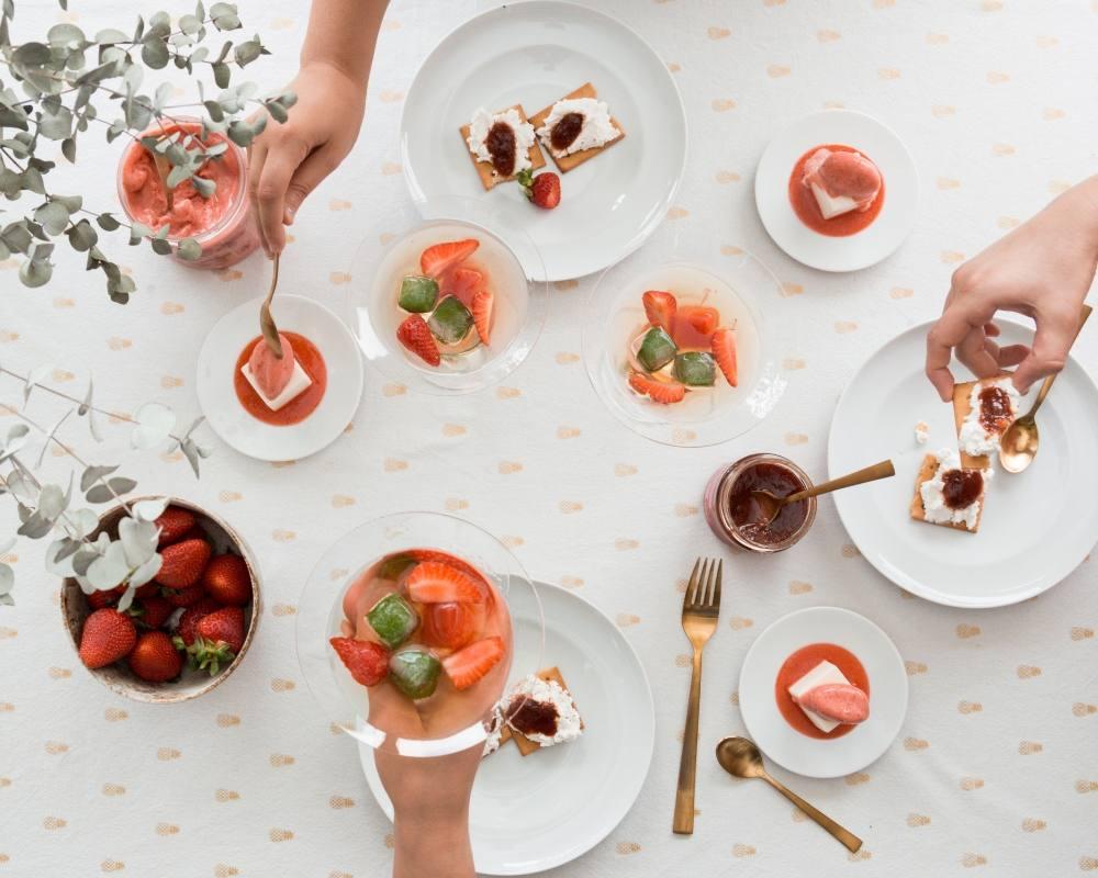 Finger Food Aperitivo Estivo aperitivo in terrazza: ricette facili e veloci a base di fragole
